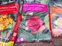 We stock a wide range of  Potting compost  at Endsleigh Gardens
